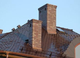 Jakie są zalety systemów kominowych w porównaniu do kominów z tradycyjnej cegły?