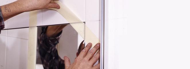 Mocowanie do ściany lustro